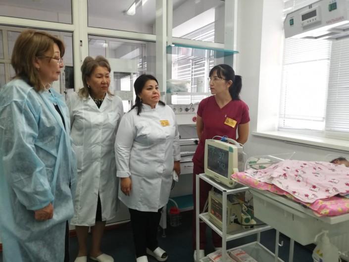 Десятки работников роддома в Атырау решили уволиться