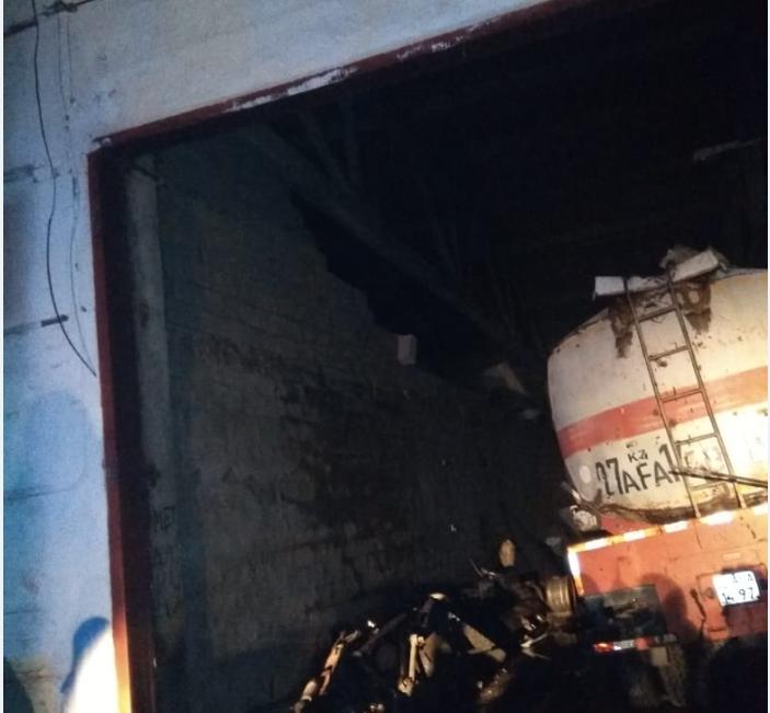 Есть жертвы: автоцистерна взорвалась в Павлодаре 1