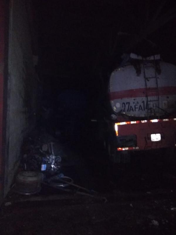 Есть жертвы: автоцистерна взорвалась в Павлодаре 2