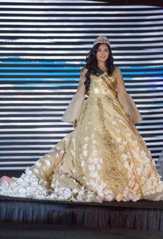 Казахстанку отметили на Mrs. WorldWide 2017 за лучший национальный костюм