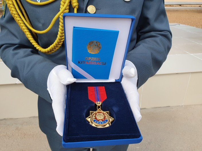 Погибших в Арыси военнослужащих наградили посмертно
