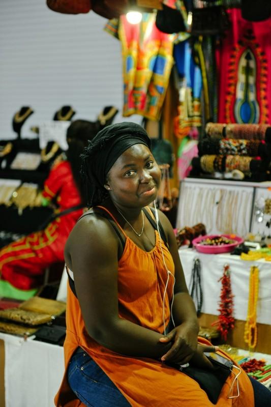 Африканка дала за деньги