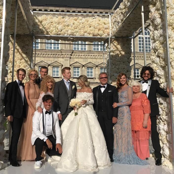 Видео тоста Аллы Пугачевой на свадьбе Никиты Преснякова набирает популярность в Сети