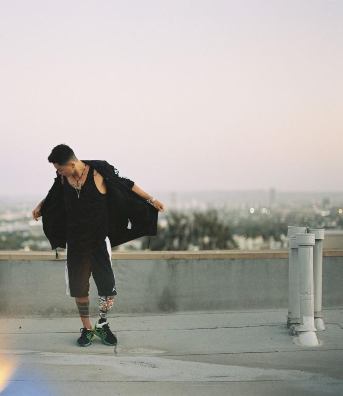 Фильм об одноногом танцоре из Казахстана сняли в США