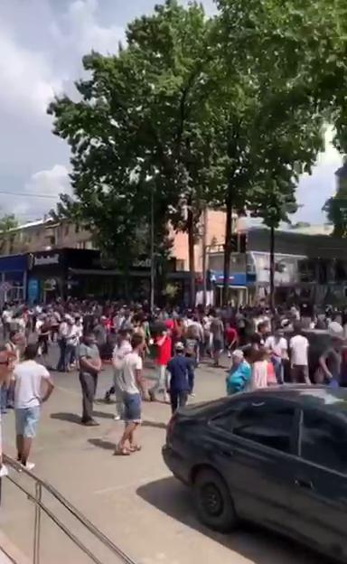 Арысцы вышли на площадь в Шымкенте