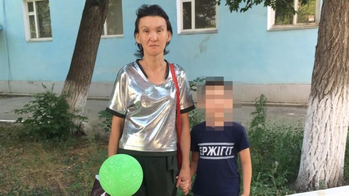 Сбежавшая от мужа-тирана женщина возвращается домой
