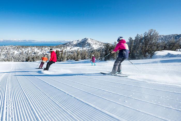 2. Начинающим лыжникам не стоит ехать в отпуск в высокий сезон, в выходные  и праздничные дни. В такое время все склоны и подъемники занимают более  опытные ... 6f4dbdf6f82