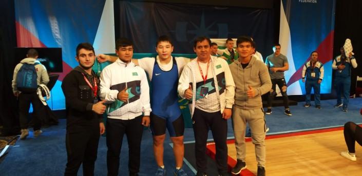 Пять из пяти казахстанских штангистов завоевали золото на турнире в США