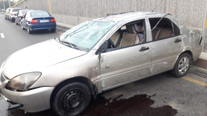 Автомобиль наехал на лужу масла и перевернулся в Алматы