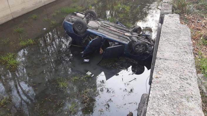 Четверо пострадали после падения авто в реку в Алматы