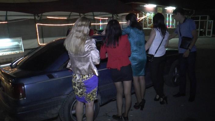 Интим проститутка для двоих мм фото 595-930