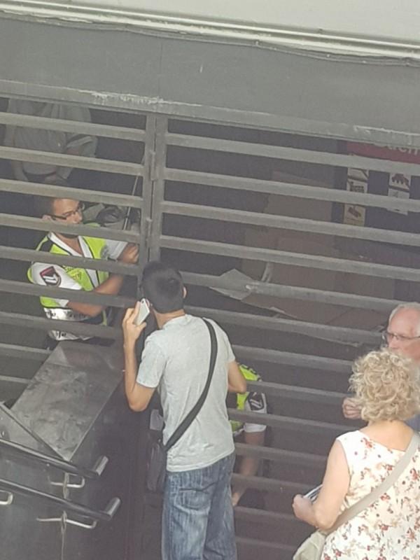 Теракт в Барселоне: автомобиль въехал в толпу людей