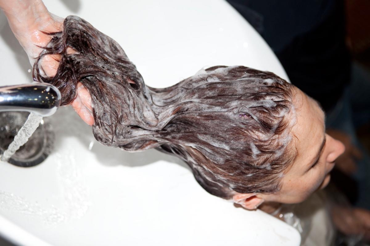 фото мытье головы