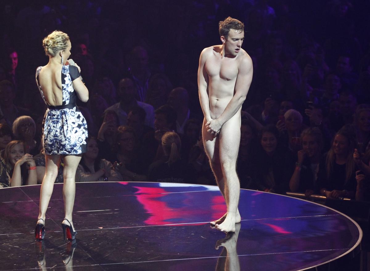 Зрители голые
