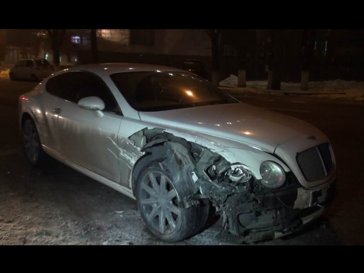 дтп bentley continental gt