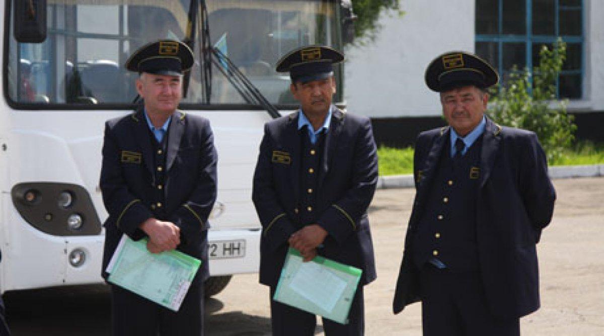 Водитель автобуса берёт деньги от пассажиров мимо кассы куда жаловаться?