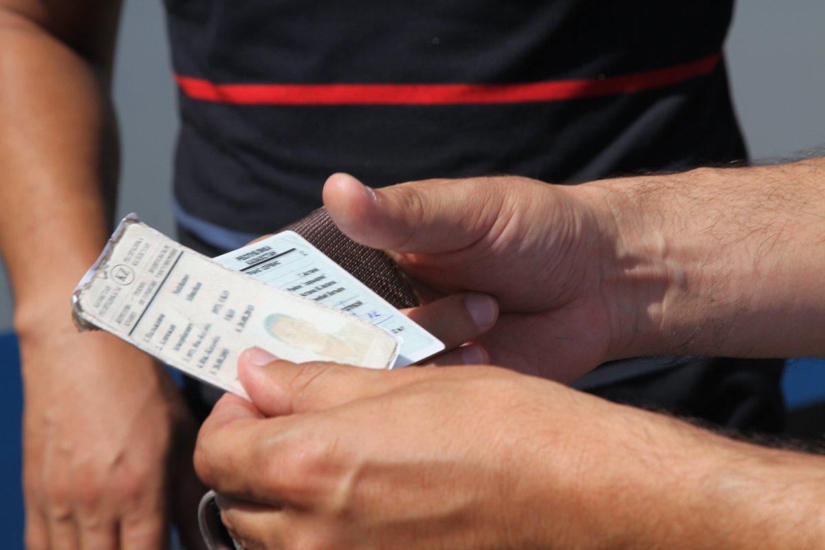 Куда обращаться при потере водительских прав