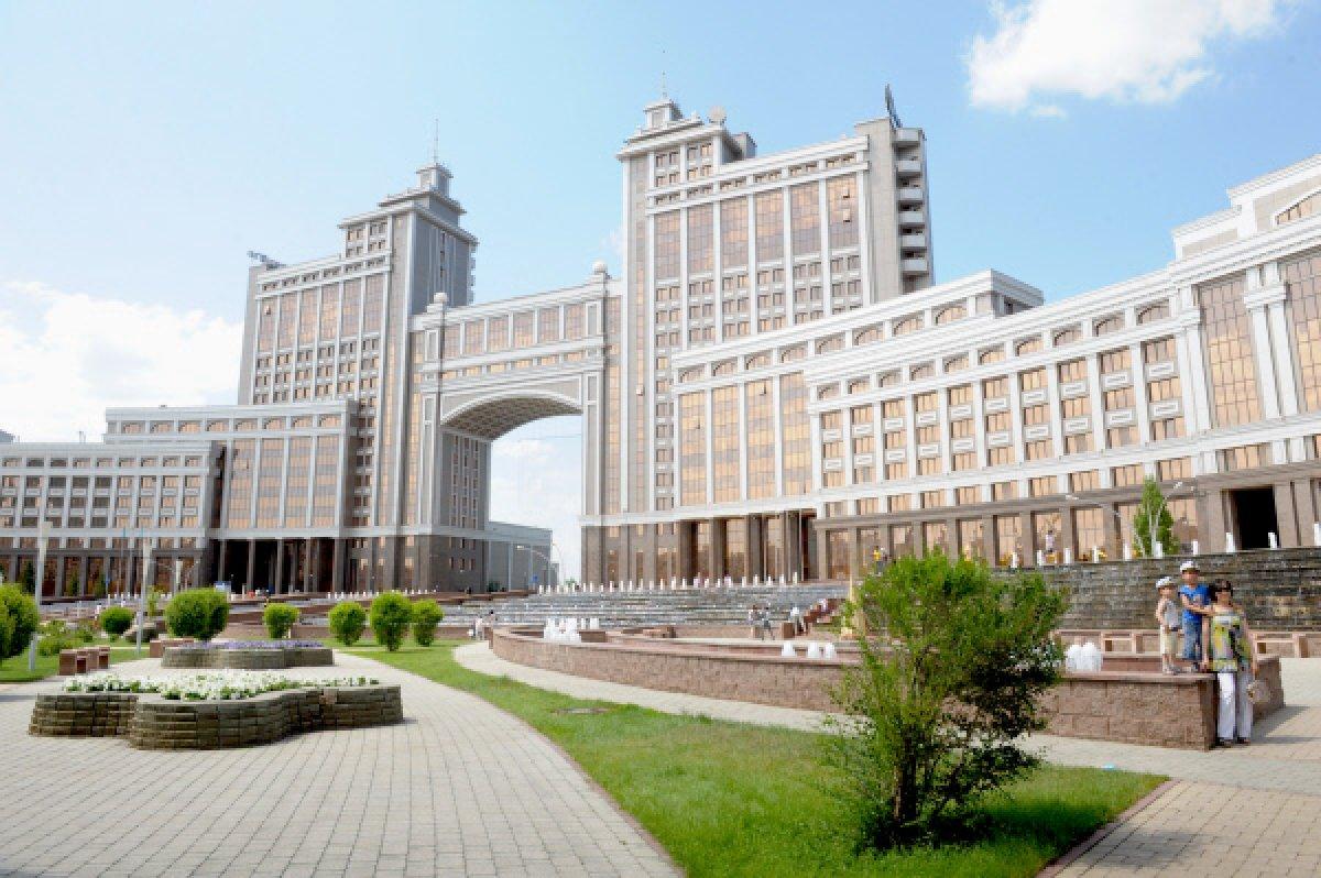 Штаб-квартира компании КазМунайГаз фото