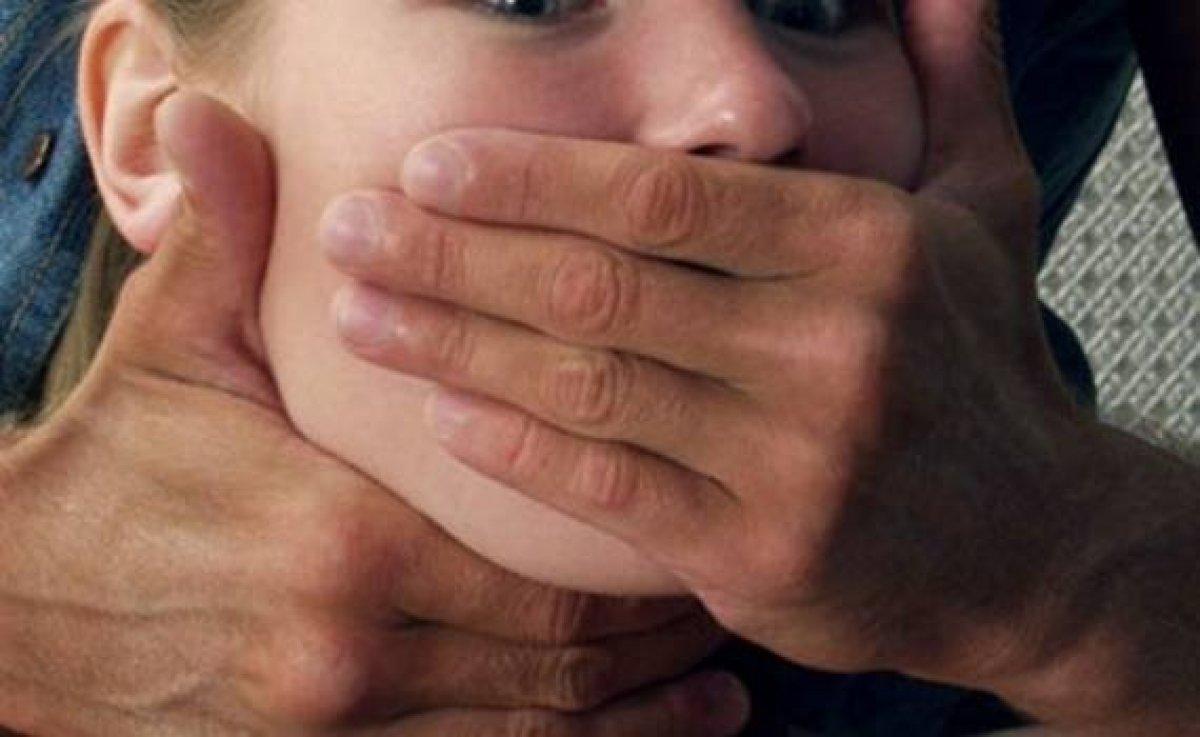 Похищение с аналом, Похищение анал - видео rating Flesh Hole HD 26 фотография