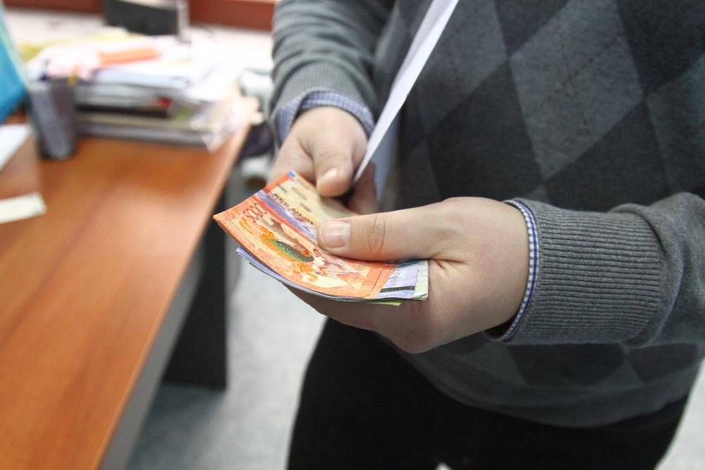Минимальную зарплату пересмотрят в Казахстане