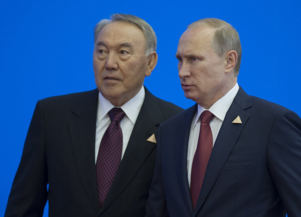 Назарбаев и Путин обсудили возможные пути выхода из кризиса на Украине