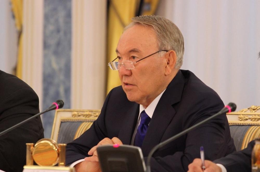 Назарбаев призвал объявить перемирие на Украине