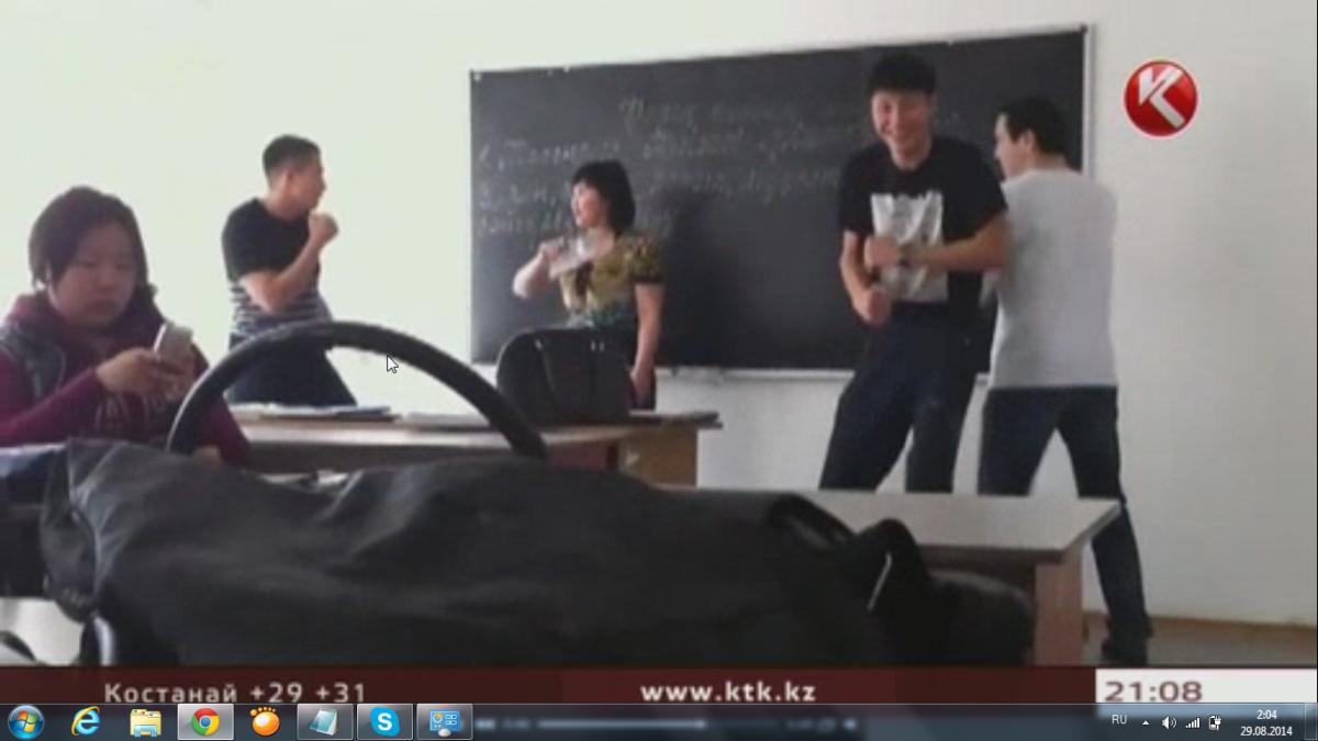 школьник ебет младшую сестру видео