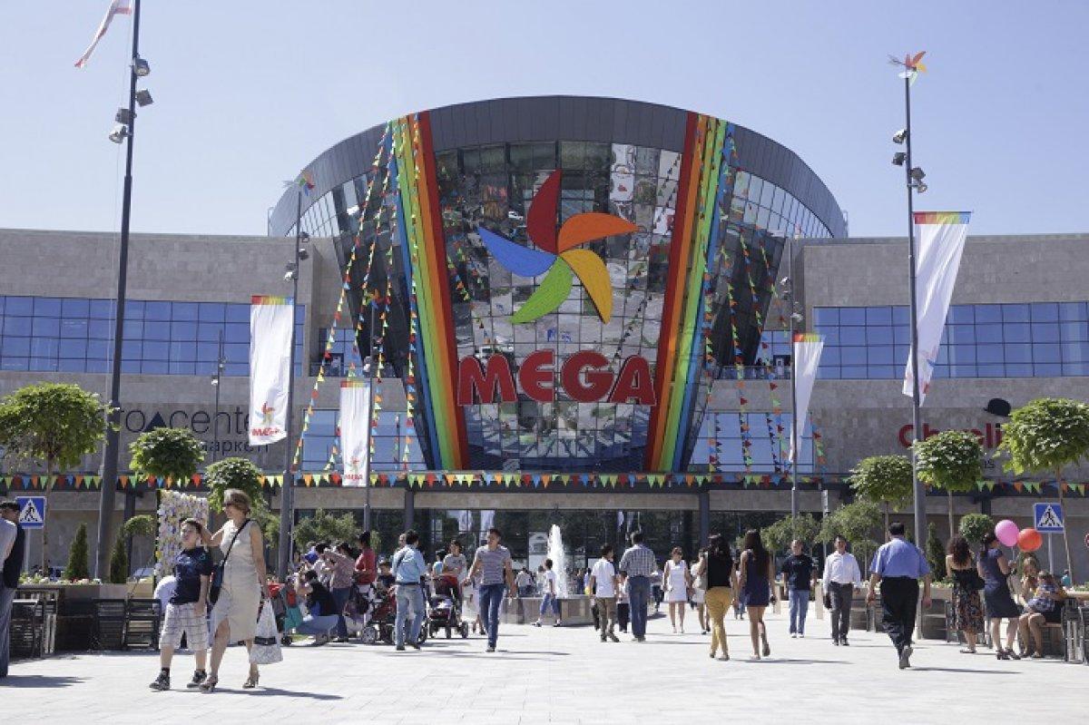 68ab8a204f27 30 августа в центре Алматы на пересечении проспекта Сейфуллина и улицы  Макатаева открылся новый торгово-развлекательный центр MEGA Park.