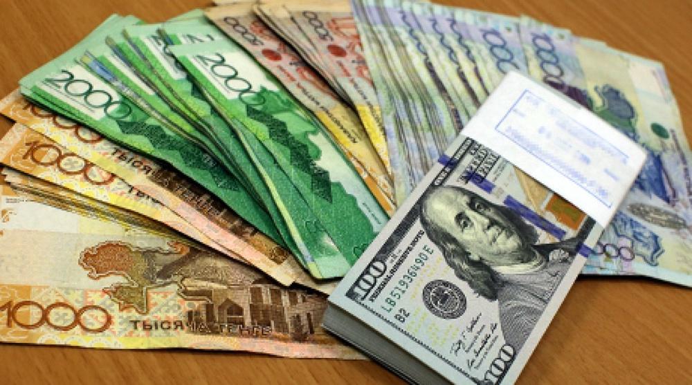 Нацбанк Казахстана примет решение о смене курса тенге на этой неделе