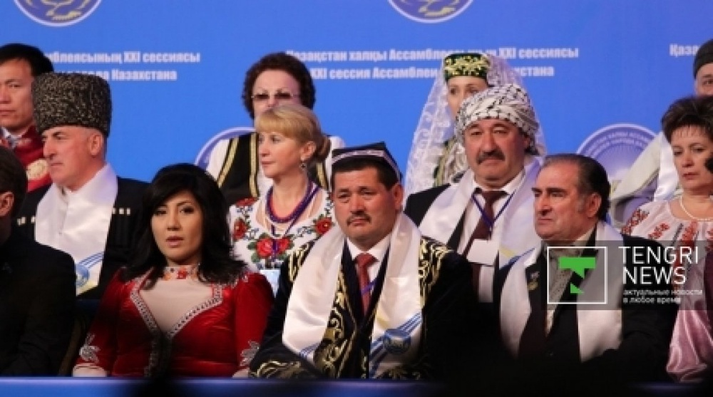 Казахстанцы благодарят Назарбаева за мир и спокойствие
