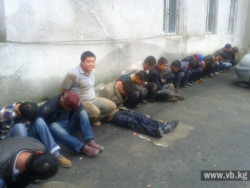 16 китайцев избили милиционера в Бишкеке