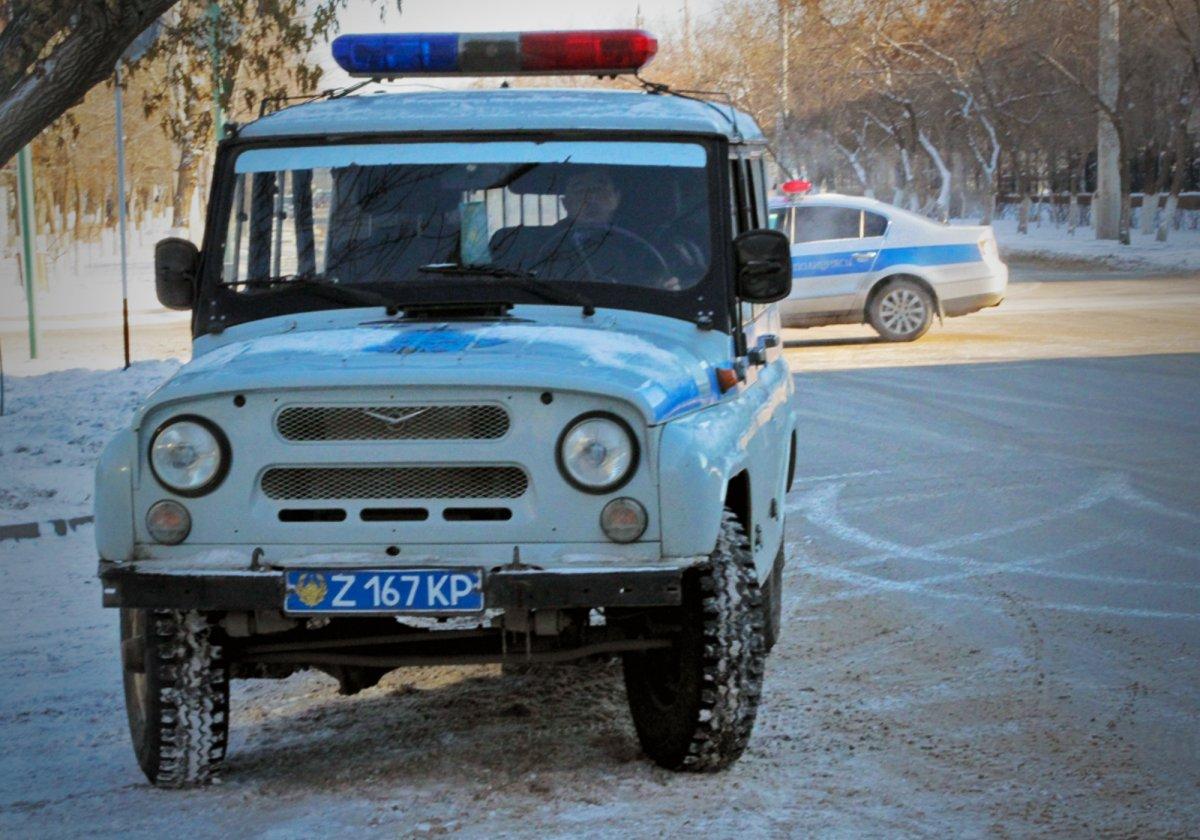 Хулиганы избили полицейского и угнали его автомобиль в ВКО