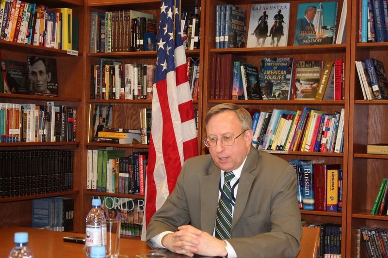 Посол США в РК Джордж Крол. Фото Ренат Ташкинбаев
