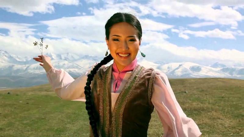 В Казахстане хотят ввести День казахской национальной одежды