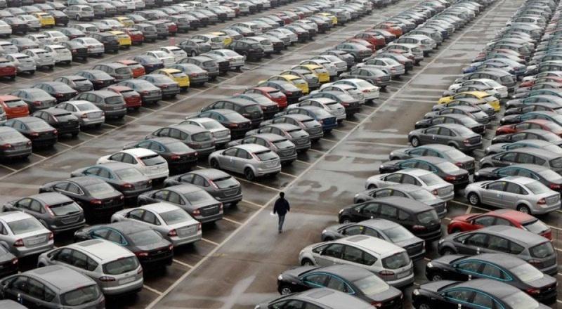 В России запретят продажу подержанных авто из рук в руки. Просто денег нет