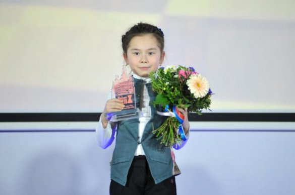9-летняя казахстанка выиграла чемпионат мира по шахматам в Таиланде