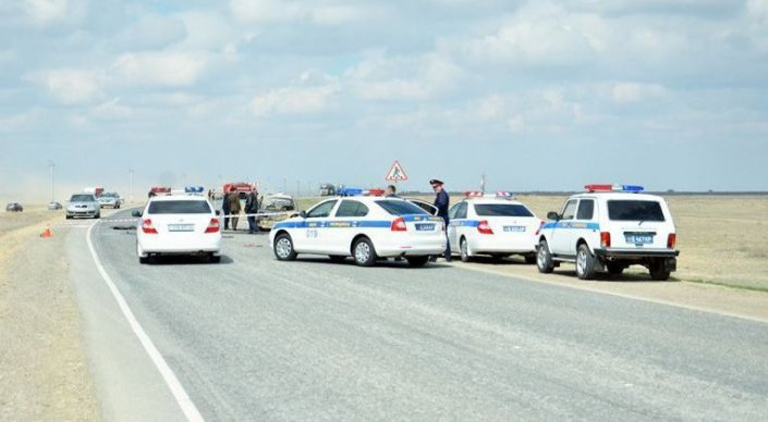 Шестеро мужчин погибли в аварии на трассе Атырау - Актау