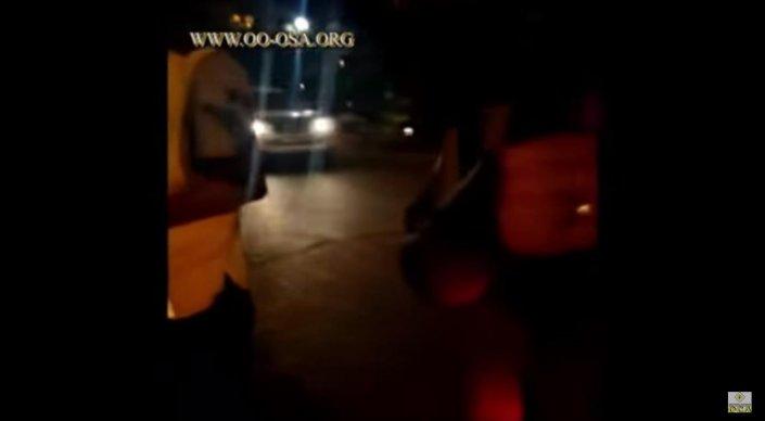 В Актау сняли на камеру дорожный конфликт с участием полицейских