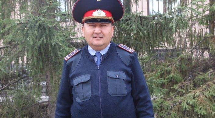 Принявший роды полицейский в Астане дал имя ребенку