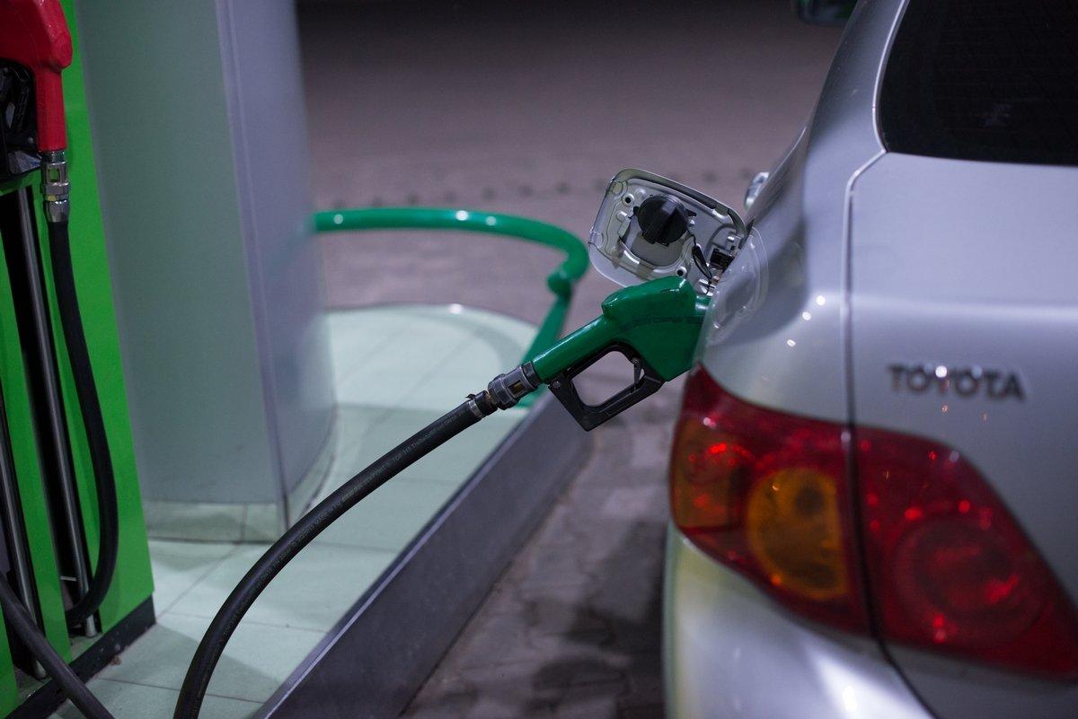 Цены на бензин не будут регулироваться правительством