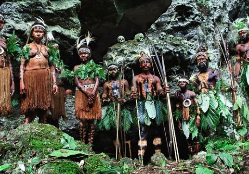 how people in new guinea island