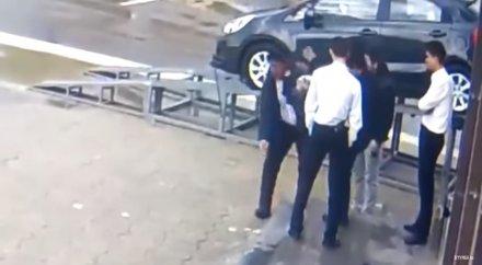 Драки в казино казахстана видео как заработать в казино без вложений