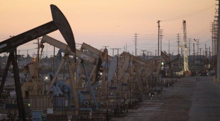 Цены на нефть Brent впервые с начала года поднялись выше 42 долларов