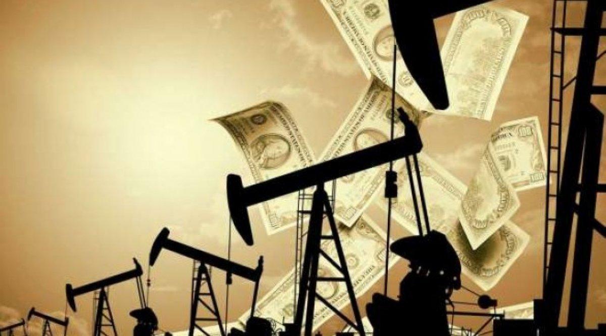 Нефть поднялась вцене из-за ослабления доллара