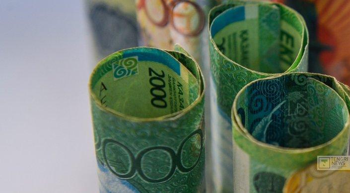 Неделя завершилась с рекордным курсом тенге к доллару
