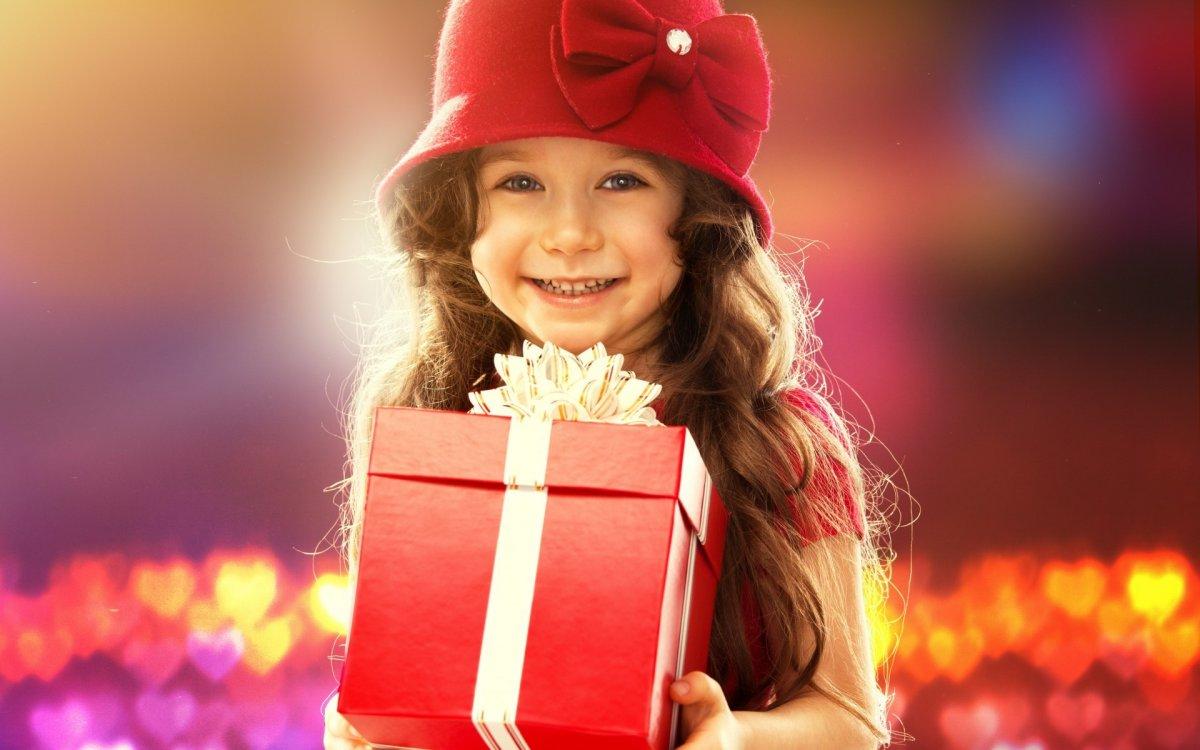 Картинки друзья с подарками