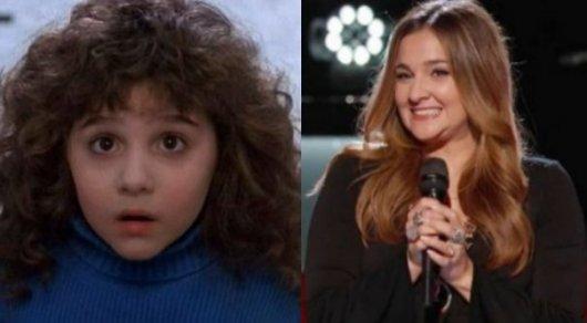 Элисон Портер в роли Кудряшки Сью в 1991 году и во время шоу'Голос в 2016