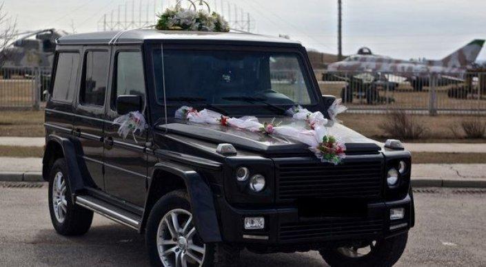 Очередной свадебный кортеж привлек внимание казахстанцев