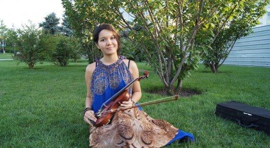 Скрипачка из Казахстана выступила с сольной программой в Нью-Йорке