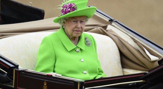 """Елизавета II съязвила, что """"все еще жива"""""""